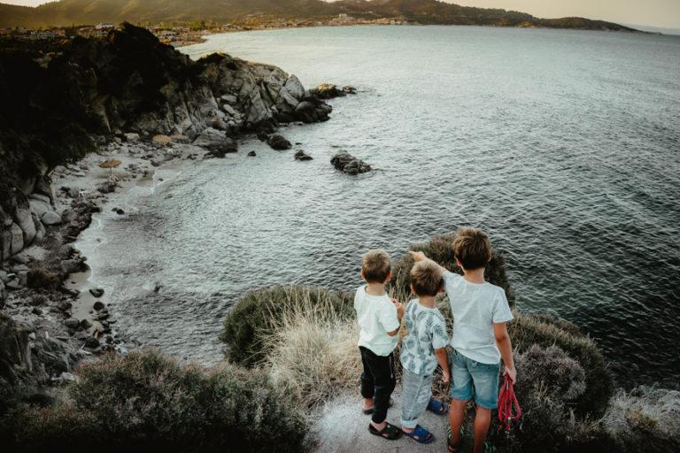 Toată familia în rulotă. Off camping în Grecia