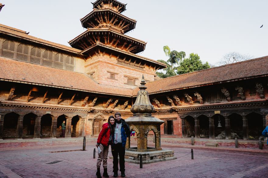 Poza cu noi in interiorul unui templu in Patan
