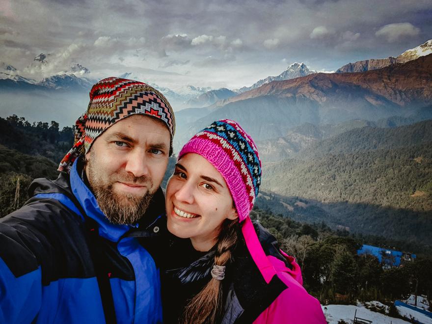Mami si tati cu muntii in spate