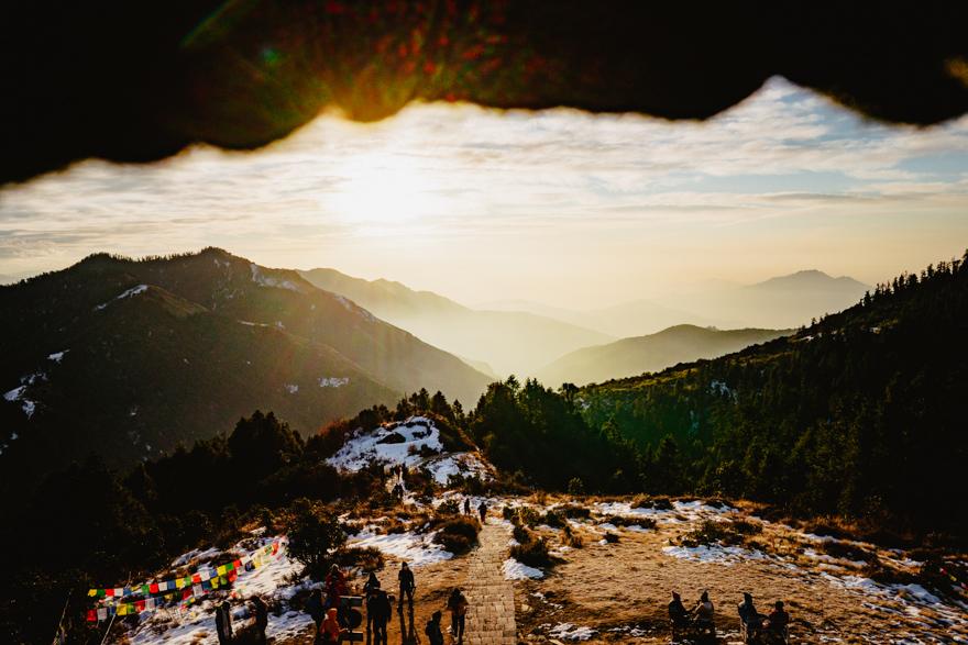 Vedere de la inaltimea foisorului pe Poon Hill, Nepal