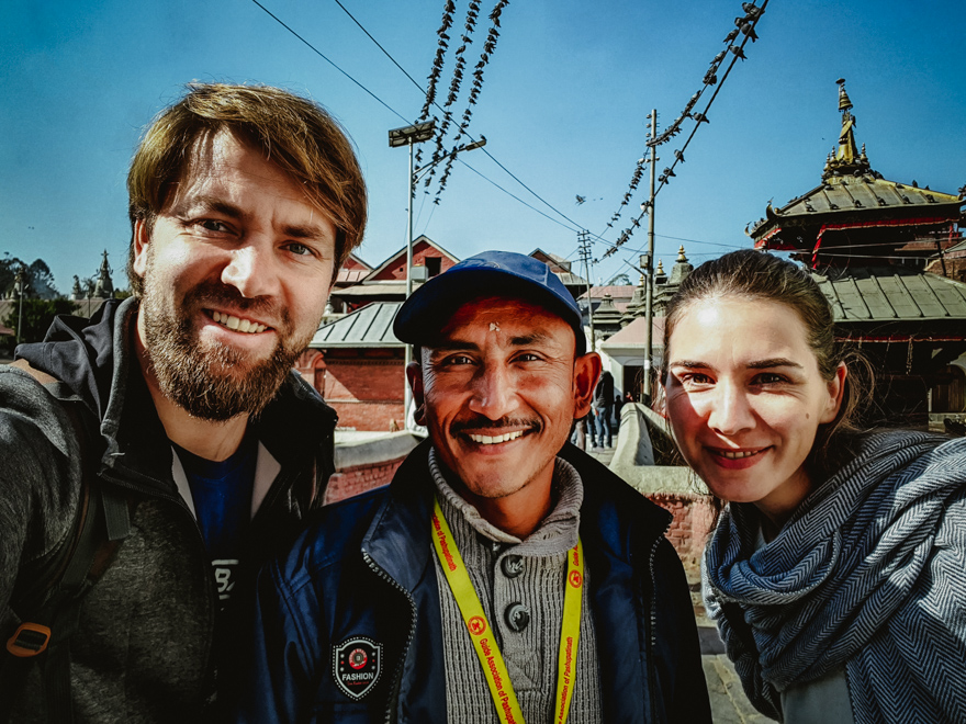 Noi si ghinul la Templul Pashupatinath