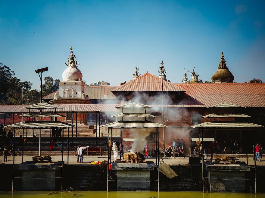 Incinerare la Templul Pashupatinath