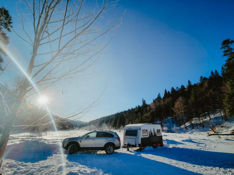 Iarna la Bușteni, cu rulota.