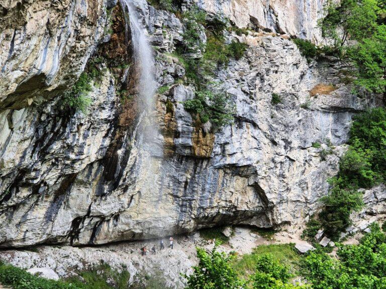 Cascada Vânturătoarea, Valea Cernei
